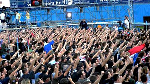 Saluts nazis en masse au concert de Thompson